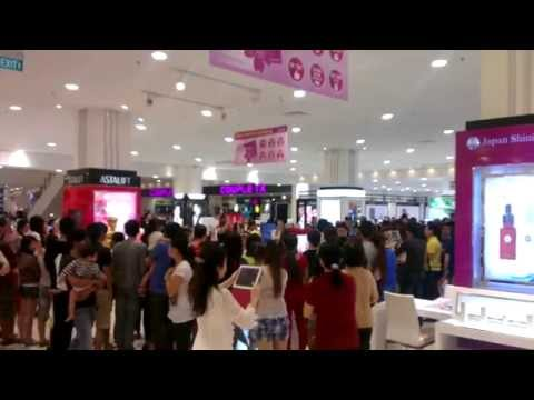 Bom tấn mỹ phẩm ra mắt tại AEON Mall