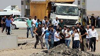 ستة قتلى في انفجار سيارة مفخخة بجنوب شرق تركيا |
