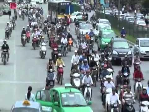 Phân làn giao thông - Cưỡng bức ý thức người dân??