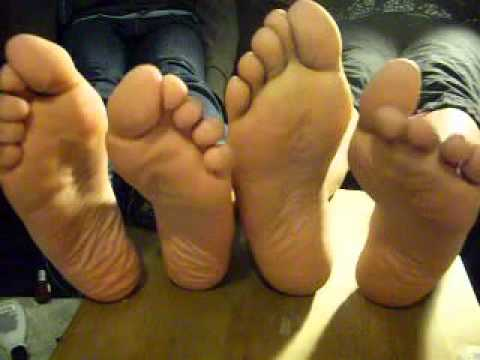 nice toe wiggling & wrinkled soles (lo-fi version)