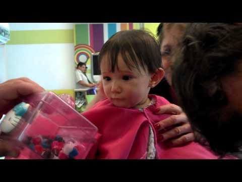 Primeiro corte de cabelo da Sofia *---*     18-08-2012
