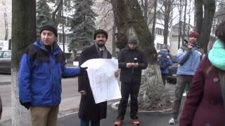 Protest: NU vrem crucea în Parlamentul RM!
