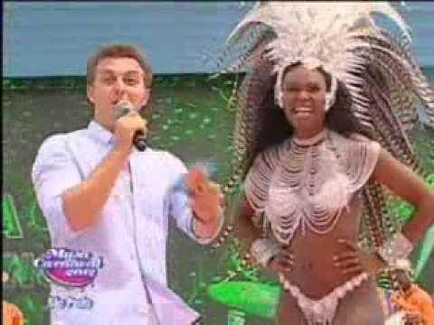 Joice Gláucia da Camisa Verde e Branco no Musa do Carnaval SP 2012