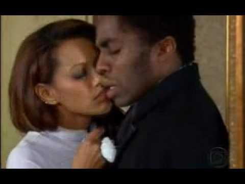 Taís Araújo- Foguinho ( Lázaro Ramos)  não resiste ao charme de Ellen e cai em tentação