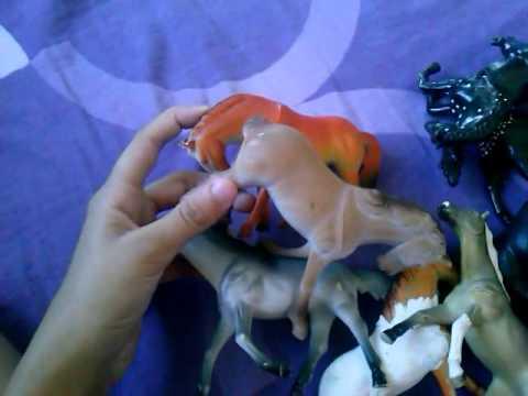Minha coleção de cavalos de brinquedo.