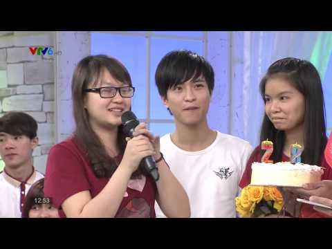 Hồ Quang Hiếu hôn cô gái xinh xắn trên sóng VTV