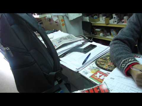 BUYING A METAL MAGAZINE/COMPRANDO UNA REVISTA (ENGLISH/SPANISH VIDEO)