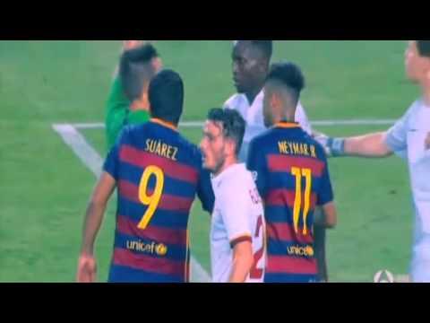 Messi gây gổ với cầu thủ AS Roma trên sân