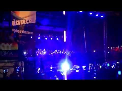 ảnh trong video Cher Dance on The Pier 27 NYC 30 june 2013 Part 1