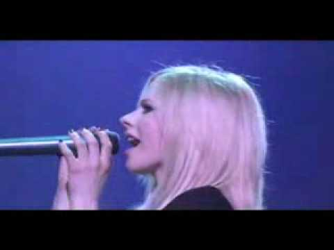 Avril Lavigne - Fall to Pieces live at Budokan