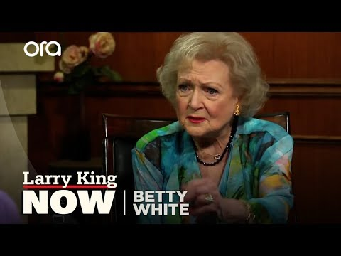 Betty White Defends The Gay Community | Betty White Interview | Larry King Now Ora TV