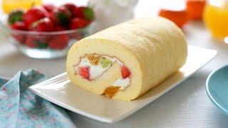 How to make Japanese fruit roll cake (recipe) - Cách làm bánh bông lan cuộn kem tươi hoa quả