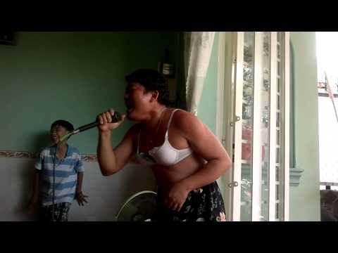 Ca sĩ Hà Phương bị lộ clip sex khi biểu diễn