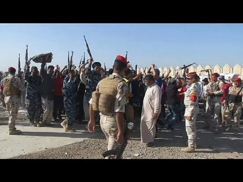 More Iraqi towns fall to ISIL as Sunni group moves closer to Baghdad