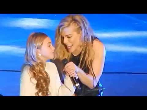 GIRL SINGS THE BAND PERRY!! DON'T LET ME BE LONELY AT THE AUBURN ARENA IN ALABAMA 1/31/15 1080p HD
