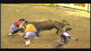 Dusty Tuckness 2013 NFR Bullfighter - Promo Video