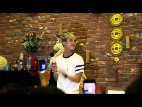 [Live] Em của ngày hôm qua - Sơn Tùng M-TP  (Vicky coffee BH)