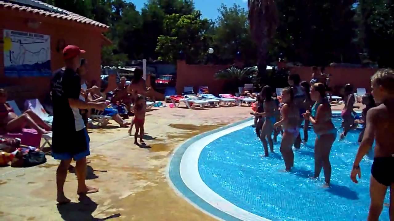 Animation piscine camping les galets argeles juillet 2009 for Animation piscine