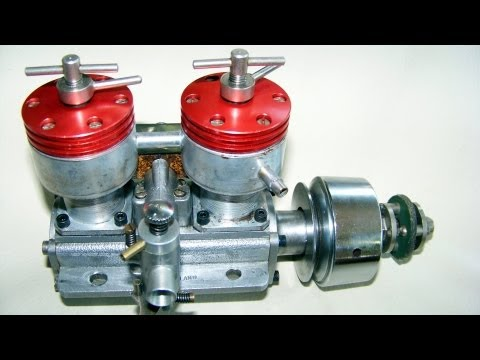 2 CYLINDER  DIESEL  TAPLIN TWIN 15CC running,  vintage RC engine(not nitro or glow !)