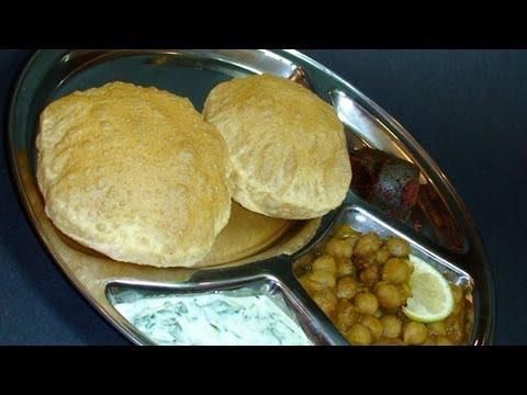 Puri / Poori Recipe, For a detailed recipe: http://www.showmethecurry.com/2008/03/24/puri-poori/
