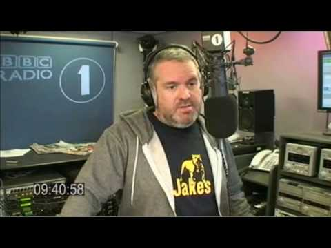 Moyles - 'Hole In The Wall' chat (Web Streaming Mon 20 Jul 09:31-09:45)