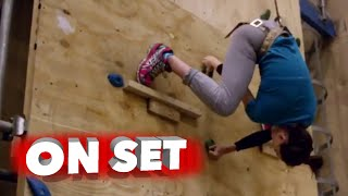 Star Wars: The Force Awakens: Behind the Scenes of the Movie Stunts - Daisy Ridley