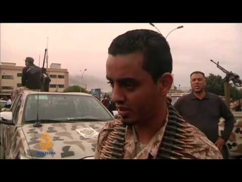 Deaths as Libya army and militia clash