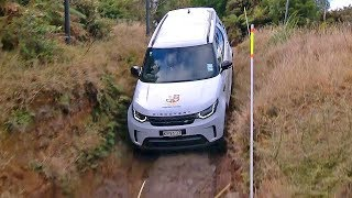 Land Rover Discovery (2018) Off-Road Test [YOUCAR]. YouCar Car Reviews.