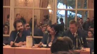 I Giorni del Coraggio (Defiance) Conferenza stampa con Daniel Craig e Edward Zwick/Part4 view on youtube.com tube online.