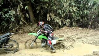 crf 230 vs Dt180