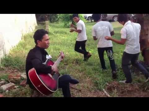 Acoustic Jam with the MTV EXIT Youth in Myanmar