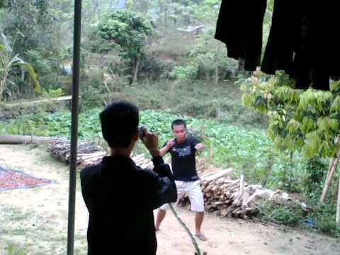 Hình ảnh trong video ly tieu long xuong nui