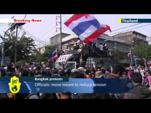 Thai protesters allowed into prime minister's office