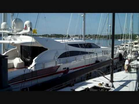Megayacht News Onboard: Dockwise Yacht Transport's Super Servant 4