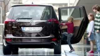 Anuncio Opel Zafira Tourer 2014 Claudia Schiffer