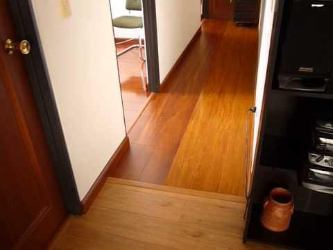 Pisos de madera laminada jm wood youtube for Madera laminada