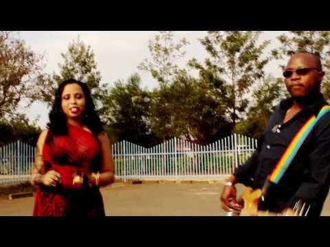 Hodan Africa Dhela Dhela Official Music Video 2013 @ Mali Entertainment and Somali Production.