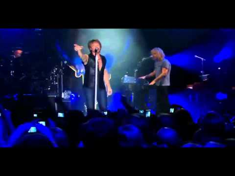 Bon Jovi - It's my life HD (live from Times Square, Best Buy Theater)