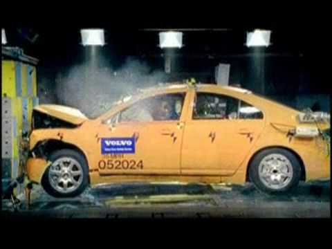 Volvo Safety Center  - I Crash tests .