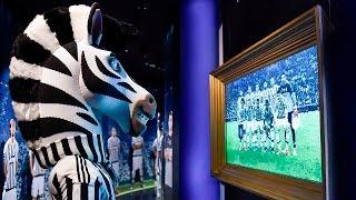J scopre la nuova sala dello Juventus Museum - J checks out J Museum latest addition