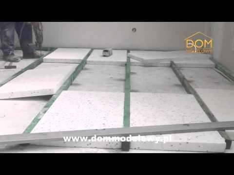Ocieplenie podkładu podłogowego na poddaszu Domu Modelowego
