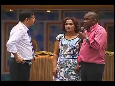 Testemunho Fogueira Santa - Claudio - Igreja Universal Vídeos