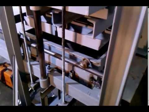 Maquina de hacer ladrillos de adobe