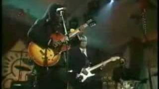 Tracy Chapman and Eric Clapton: Give Me One Reason, Live