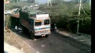 Khatarnak Accident.mp4