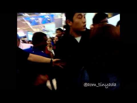 [FANCAM] 121125 BoA, Kangta at Suvarnabhumi Airport