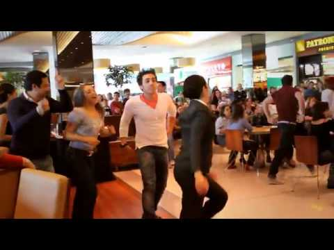Mamma Mia! - Flash Mob no Shopping Vila Olímpia