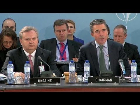 NATO chief warns Russia on Crimea action