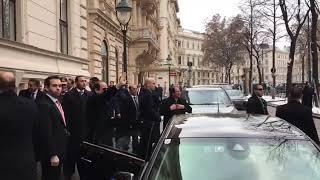 الرئيس السيسي يصل إلى مقر إقامته في