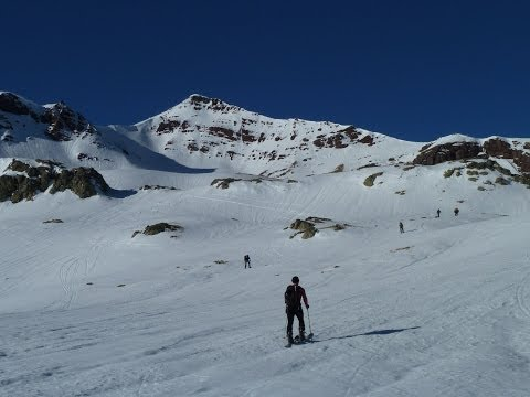 Ascensión y descenso con esquís del Vértice de Anayet